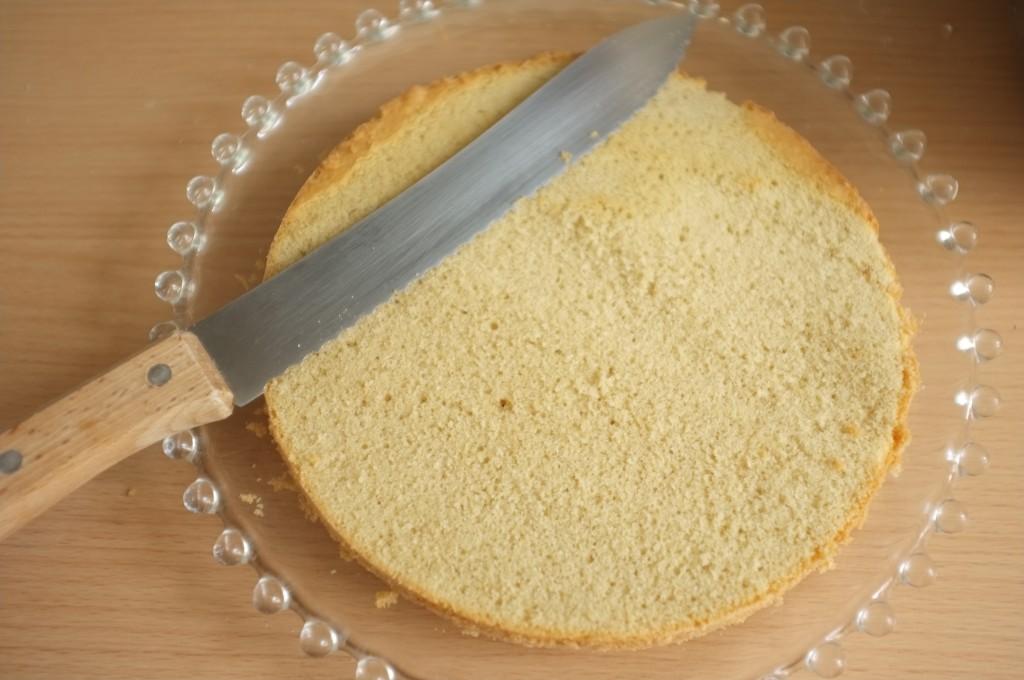 Je découpe le dessus du gâteau d'en dessous ! vous me suivez?