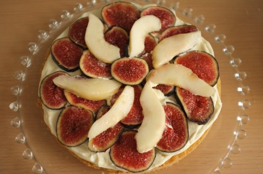 Comme pour la crème chantilly maison, je suis généreuse en couche de fruits d'automne...