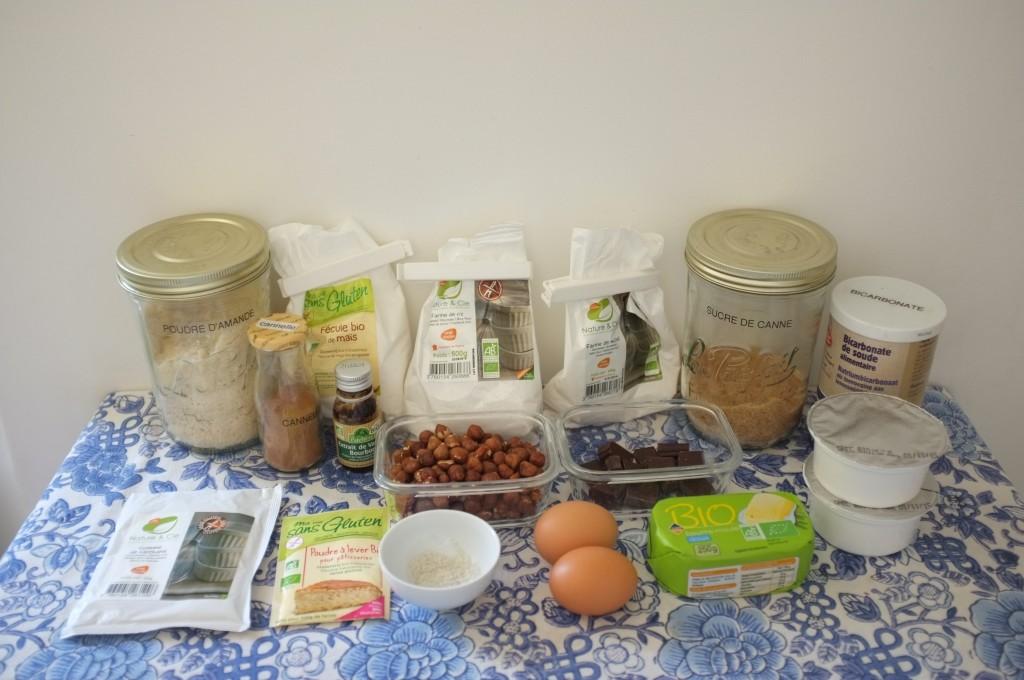 Les ingrédients sans gluten pour le gâteau chocolat, noisette et cannelle.