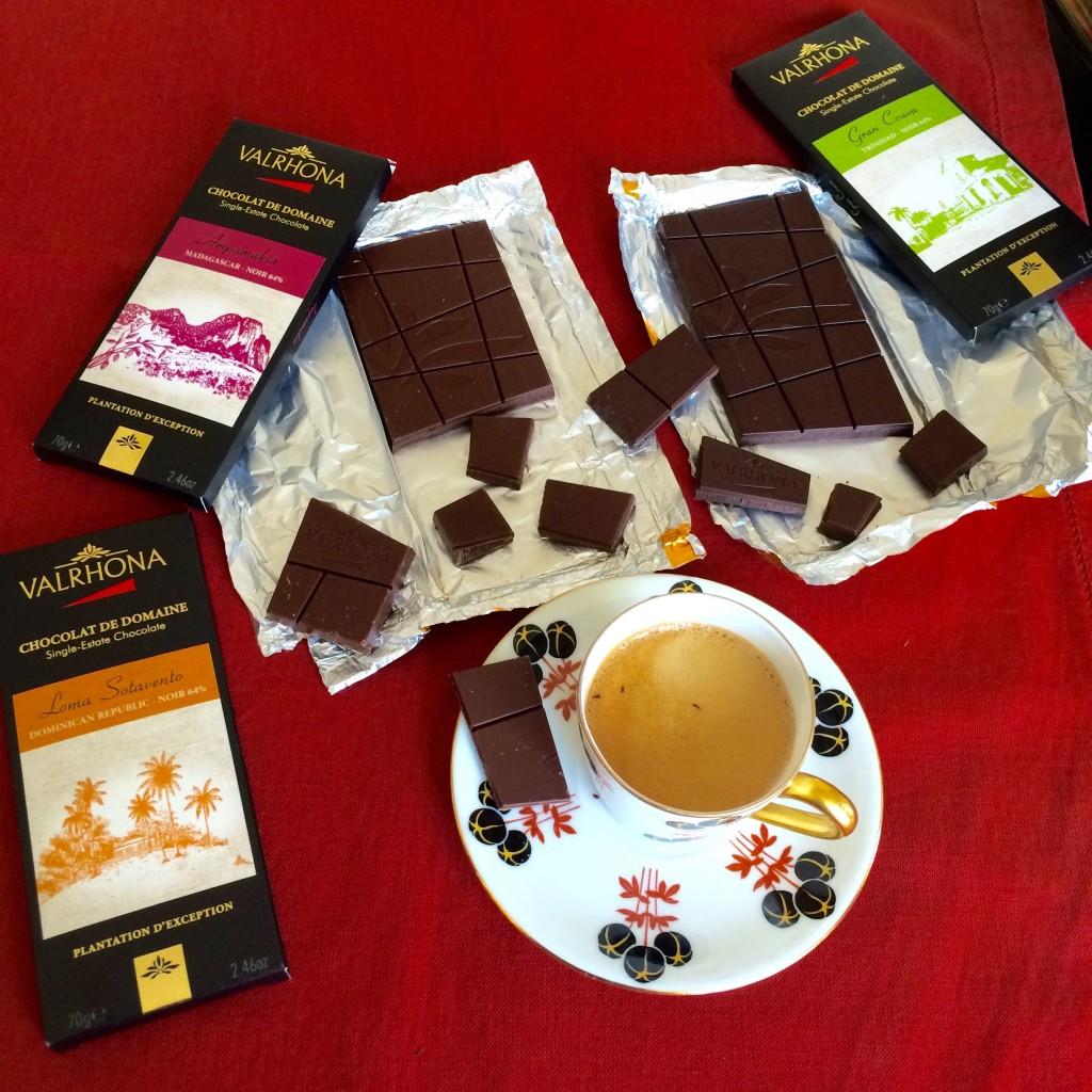 Je n'ai plus droit de boire du café mais je ne rate jamais ce moment avec mon mari pour partager du  chocolat noir de qualité.