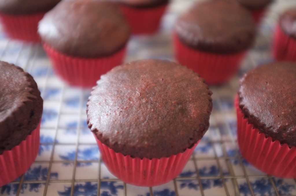 La couleur intense du cacao un peu rouge...