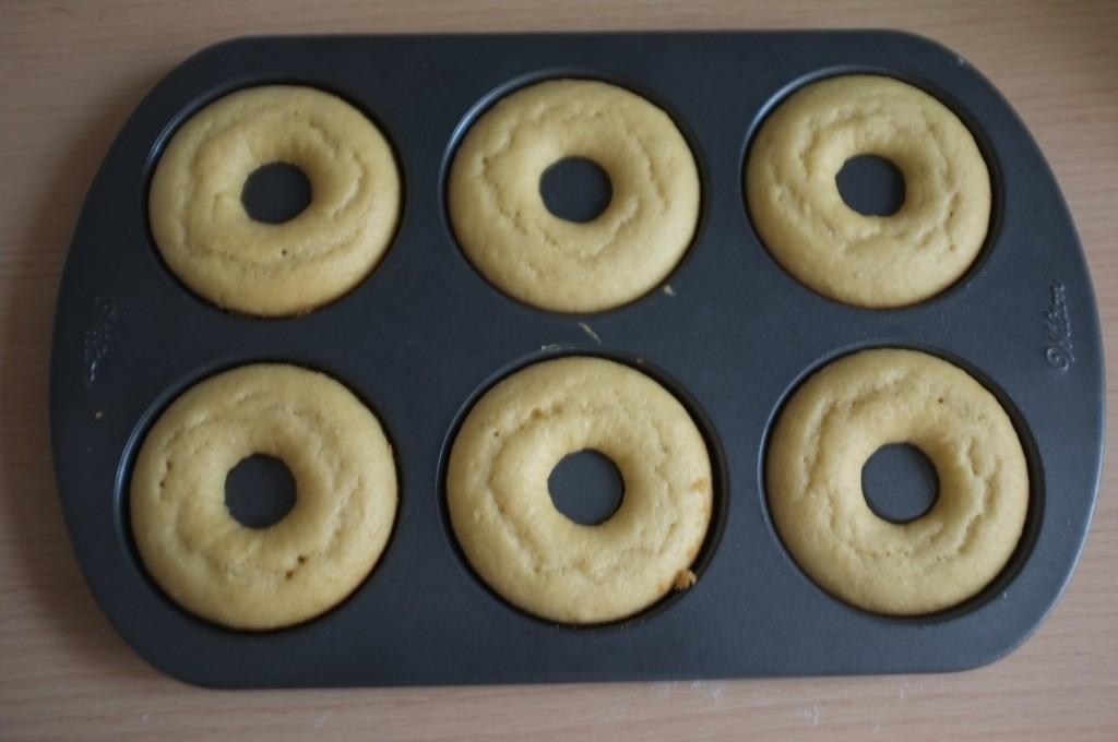 Les donuts des Rois sans gluten à la sortie du four.