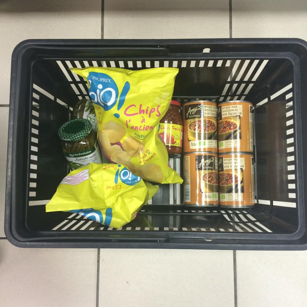 Mon panier au supermarché où je trouve les soupes Amy(s Kitchen... ( Ici au Monoprix mais aussi chez carrefour)