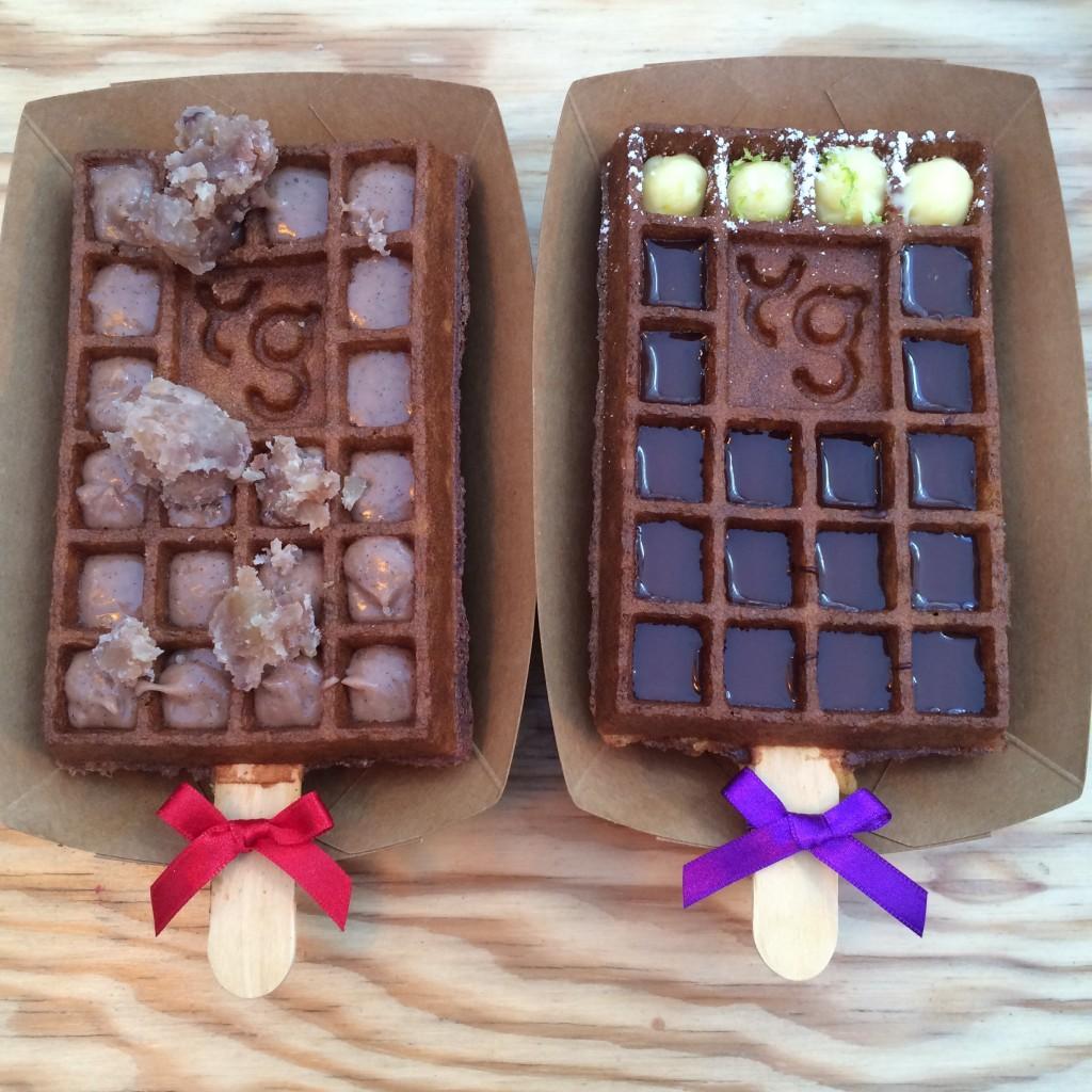 Nos gaufres sucrées : crème de marron et chocolat praliné, avec quelques cubes de gaufres au citron...Parce que comme dit Aurélie, on ne peut pas manger 10 gaufres...quoi que moi...
