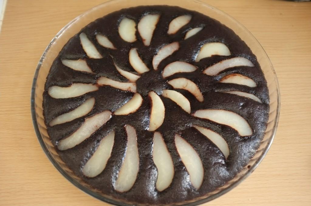 Le gâteau sans gluten poire chocolat pour la Banque Alimentaire à la sortie du four.