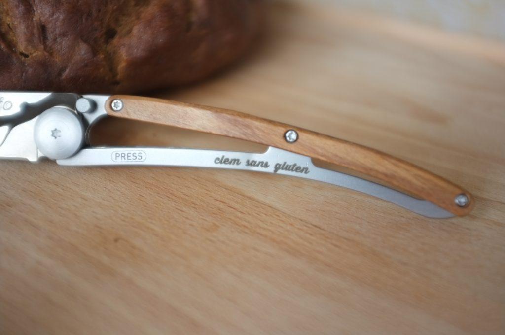 Le manche de mon couteau est gravé à mon nom, plus d'erreur possible !
