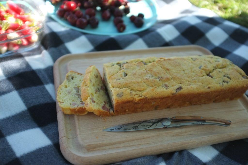 mon cake sans gluten jambon et olives, classique de os pique nique.