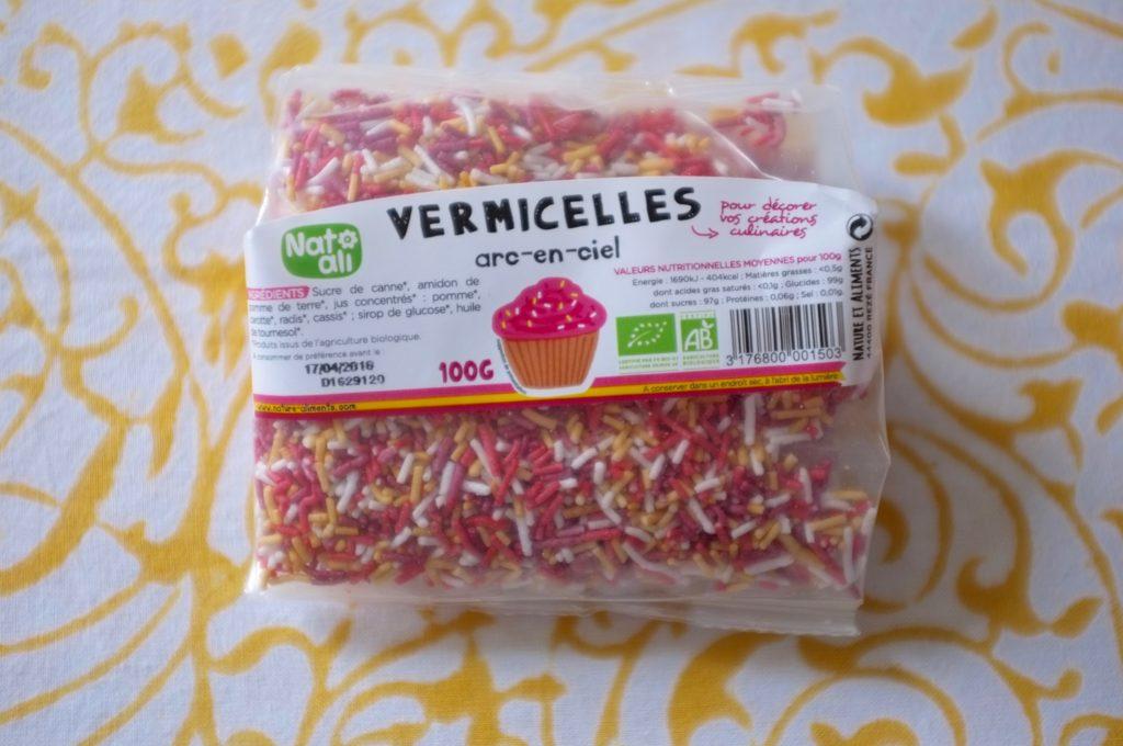 Des vermicelles de décorations sans gluten et rose !!! Impossible de résister pour mes prochaines recettes.