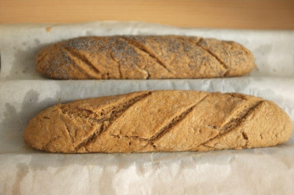 les baguettes rustique sans gluten à la sortie du four