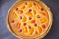 Tarte amandine sans gluten abricots cerises