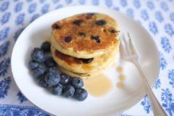Mes pancakes sans gluten au millet et myrtilles